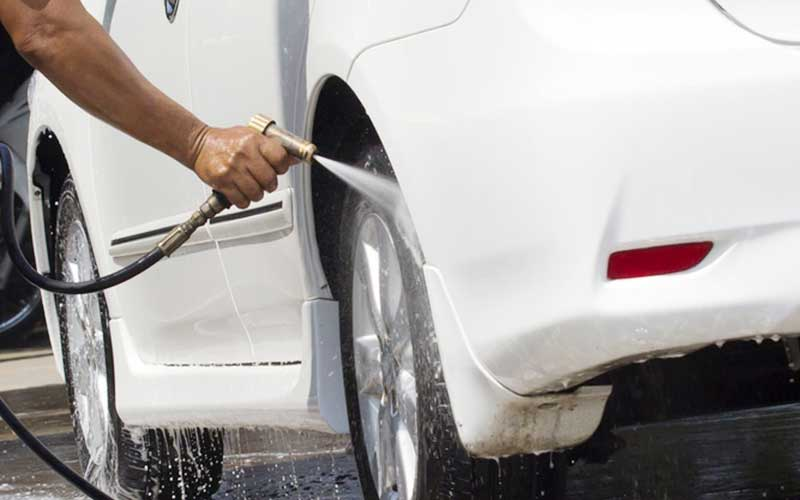 washing-your-car-is-wiping