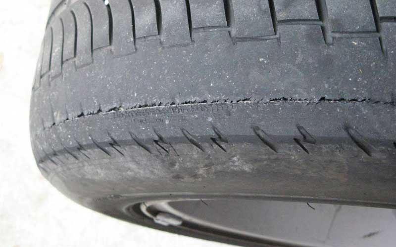 Uneven tire tread wear
