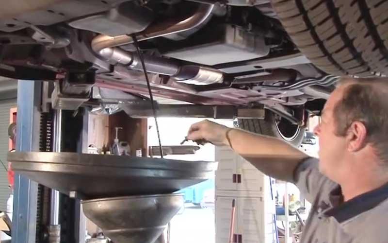 cars need oil repair